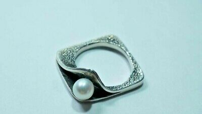 H240 Lovely Narrow Sterling Reticulated Modernist Pearl Ring Size: 7.5