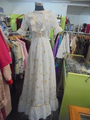 Vintage / Retro 70's white and yellow maxi dress size 4-6 short sleeve