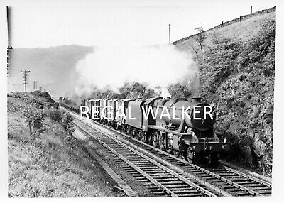 BRITISH RAIL STANIER 8F 48552 passing through Chinley 26/08