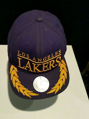 on sale b0ffa 397c1 Los Angeles Lakers NBA Mitchell   Ness Vintage Snapback Hat Gold Leaf