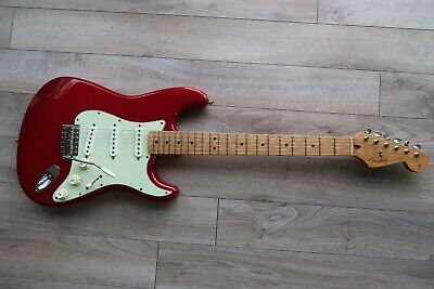 Fender Stratocaster deluxe series Fiesta Red Active 1998 Maple Neck