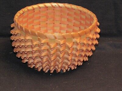 "Oneida Porcupine Basket 6.75"" x 3.5"", Excellent Condition"