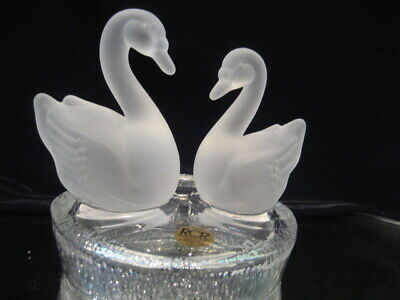 'Rcr' 24% Lead Crystal Figure, 2 Frosted Glass Swans, Clear Crystal Lake. Italy