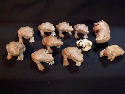 (11) Various Vintage Hand Carved Indonesian Wood Frogs