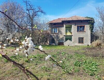 PAY MONTHLY - Bulgaria Two Storey Home House VT region proper with big land