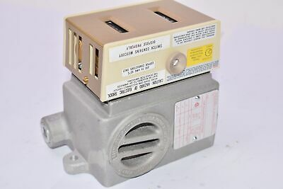 NEW Dwyer Instruments 860EH-2-64 Thermostat for Hazardous Locations