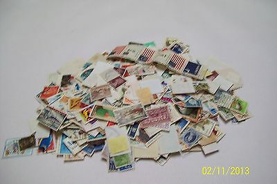 Bulk 1000 Assorted Used World Stamps.