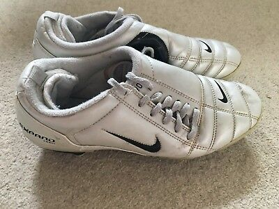 buy popular 30c4a 0ac7c Nike Total 90 III boy s vintage football boots in silver - size 5