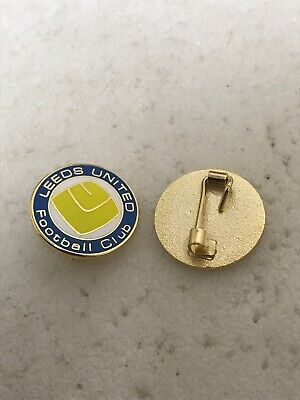 Very Rare Leeds United  Supporter Enamel Badge - 1970's Crest Design 4