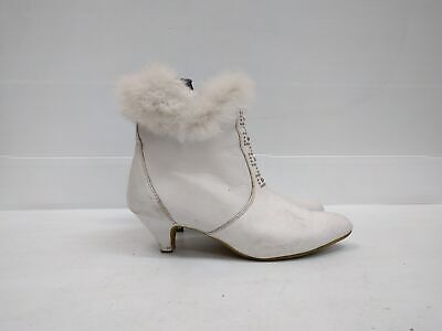 Size 37 Vintage Ladies White Leather pixie boots with fur trims