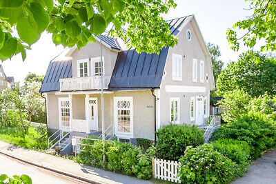 Large 5 bed country villa near lake in rural Sweden 168 m2+basement. Quick sale!