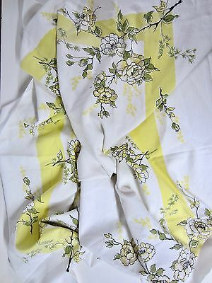 Vintage 40's 50's Yellow & White Cotton Wild Roses Bordered TABLECLOTH 50 x 46