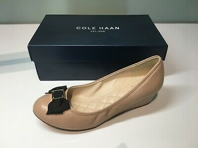 a716e48f3 COLE HAAN TALI Grand Bow Wedge 65 Shoe - Women's Size 6.5- Maple ...