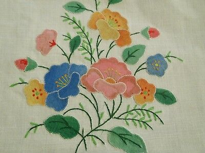 Lovely Vintage Madeira Linen Table Runner Or Large Towel With Applique Flowers