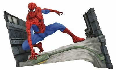 Marvel Comic Gallery PVC Statue Spider-Man Webbing 18 cm Spiderman