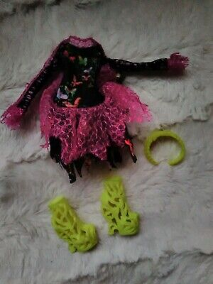 Monster High Bonita femur out fit