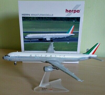 "Herpa Wings 1:200 - 555166 Airbus A321 Alitalia ""Retro Livery"""