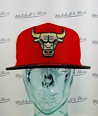 online store 55ff7 45932 Mitchell   Ness NBA Snapback Chicago Bulls Hat - Red Gold   Black