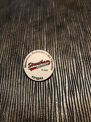 Rare STREATHAM REDSKINS vs MK THUNDER ICE HOCKEY PIN BADGE 2011