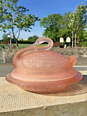 Beautiful Art Deco Sowerby Pink Frosted Glass Swan On Nest Large Butter Dish