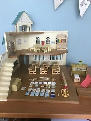 Sylvanian families Berry Grove School 4413 Calico Critters Nearly Complete +