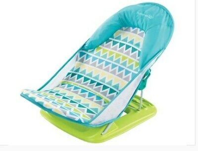 Summer Infant Deluxe Baby Bather - Triangle Stripes