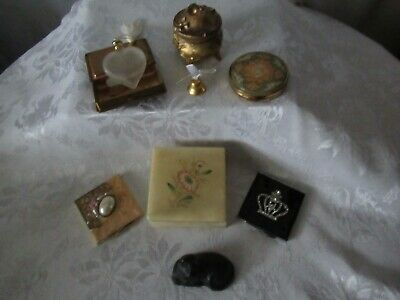 Lot Of Vintage Womens Makeup Compacts & Accessories