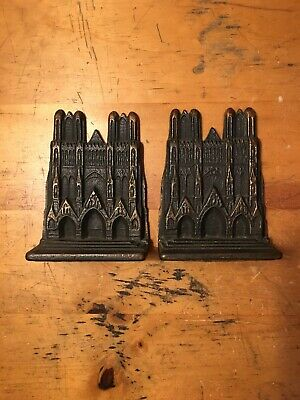 Great Vintage Pair Of Heavy Cast Iron Notre Dame Cathedral Bookends