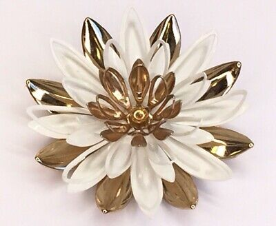 Vintage Sarah Coventry Water Lily White Enamel Gold-tone Metal Flower Brooch