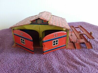 Vintage Tin Toy Service Station Garage With Hoist Made In Japan Used