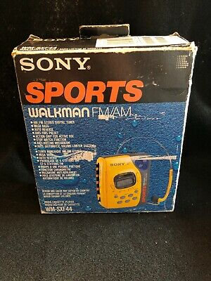 Sony Walkman Sports WM-SXF44 w/ MDR-W07 Headphones & Box Instructions