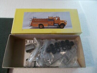 ALLOY FORMS  Ford LS Pumper Model FIRE TRUCK  KIT white metal   scale 1/87