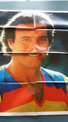 julio iglesias    poster 8 pages  ou bad manners