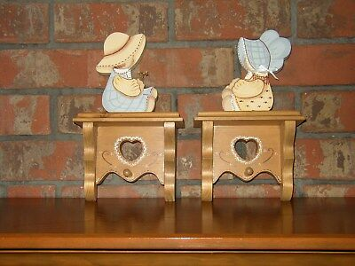 Wooden hand-made arts and crafts wall hanging--set of 2