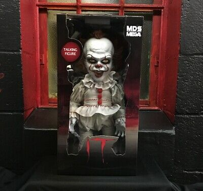 Mezco Toyz Pennywise Mega Scale Talking Designer MDS Stephen King's IT (2017)