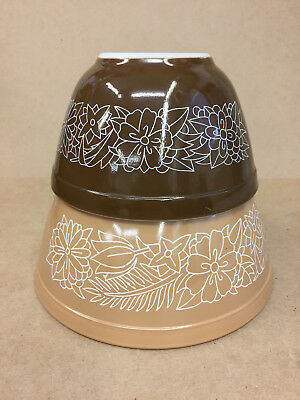 2 Vintage Pyrex Woodland Brown Nesting Mixing Bowls #401 & 402 (750 ml & 1.5L)