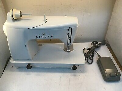 Singer Touch and Sew 600E Sewing Machine