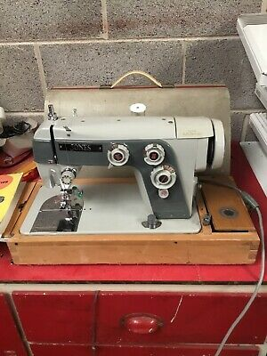 Jones Deluxe 553 Sewing Machine & Carry Case Zigzag Semi Industrial