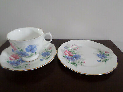 Royal Albert Sweet Pea / Friendship Trio, tea cup, saucer and tea plate