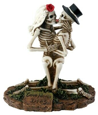Dod  Day Of The Dead -  Love Never Dies Embrace Figurine - New