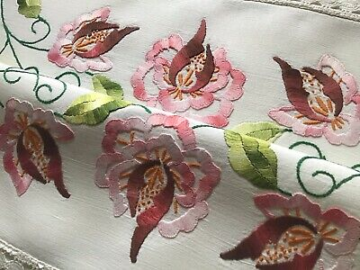 Beautiful Vintage Hand Embroidered Table Runner ~ Pink Florals/Lace