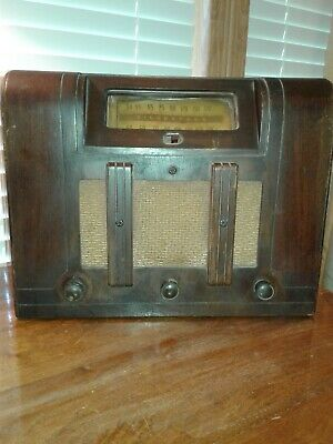 Vtg Silvertone Wood Table Top Art Deco AM Tube Radio For Parts Or Restoration