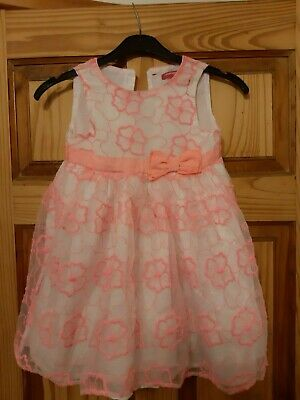 Pretty Little Girls Peach And White Party/Special Occasion Dress Age 3-4 Years