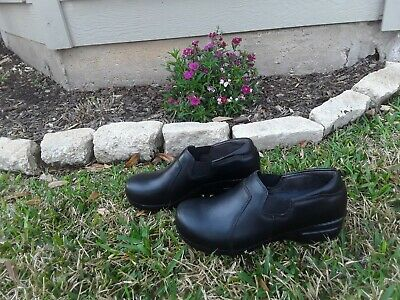 Dansko Clogs Size 6 High Quality And Low Overhead Women's Shoes Clothing, Shoes & Accessories