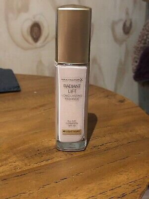Max Factor Radiant Lift Long Lasting Foundation 40 Light Ivory All Day Hydration