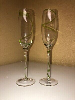d37a658f5b8 HOME ESSENTIALS GREEN SWIRL STEMMED WINE GLASSES 2 Perfect For Garden  Wedding