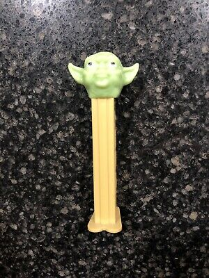 "STAR WARS: YODA ""Green"" Novelty Shaped Collectable PEZ Candy Dispenser"