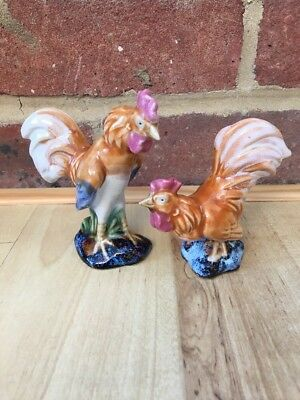 2 x Small chicken Rooster Kitchen Home Kitsch Ornaments Collectables 3-4in tall