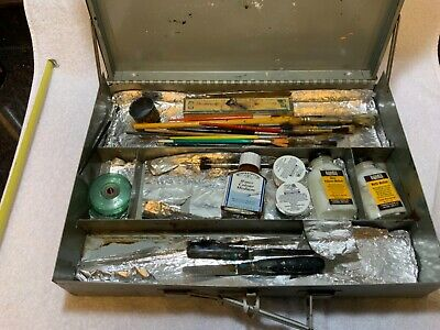 Vintage M Grumbacher Metal Painter Case with 20  Brushes Tools Spatulas etc