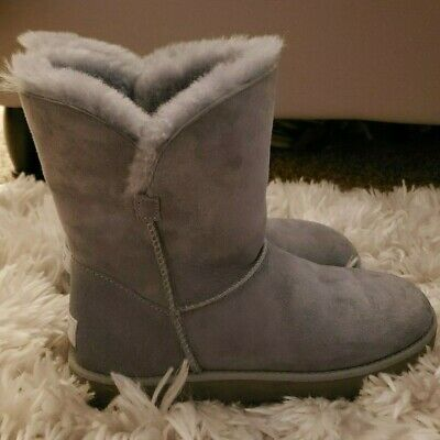 d9be5fc8ad0 UGG CLASSIC CUFF Short Suede Sheepskin Women's Boots in Imperial ...